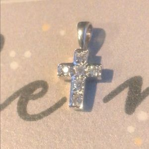 Jewelry - 14k white gold diamond cross pendant